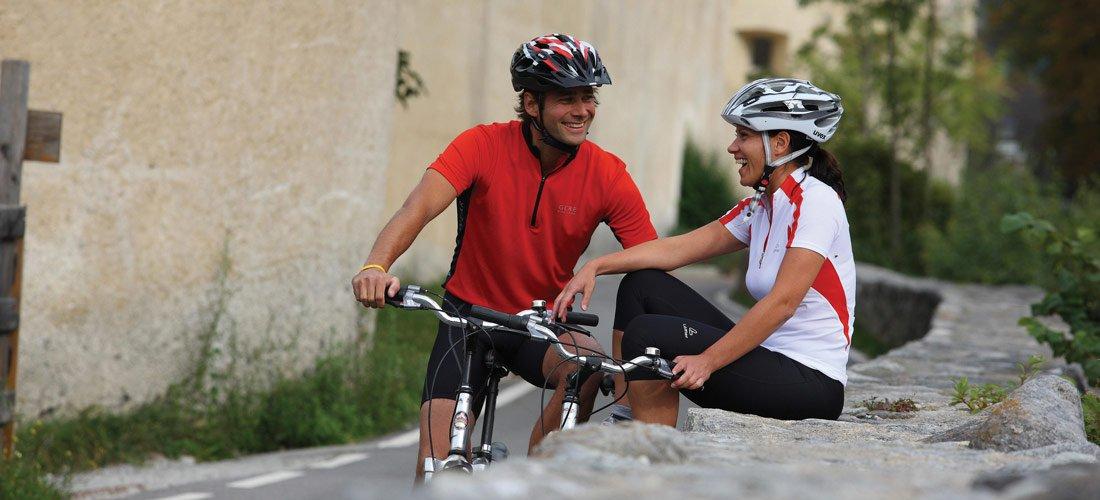 Auf dem E-Bike zu mühelosen Alm-Radwanderungen